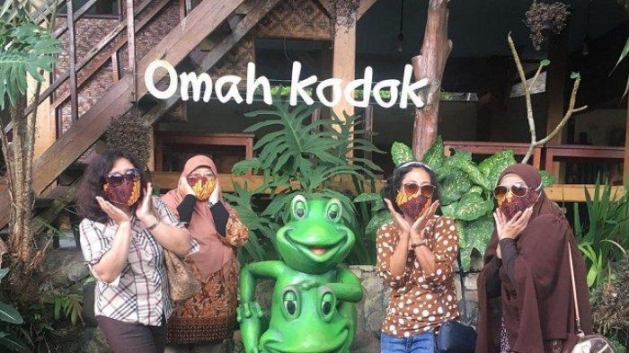 TRAVEL UPDATE: Menikmati Secangkir Teh di Omah Kodok Teh & Resto Karanganyar