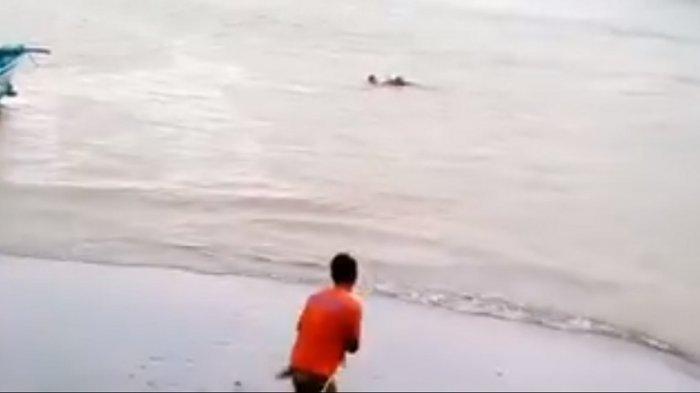 Inilah Detik-detik Mengerikan Evakuasi Orang dengan Gangguan Mental Terjebak di Pantai Baron