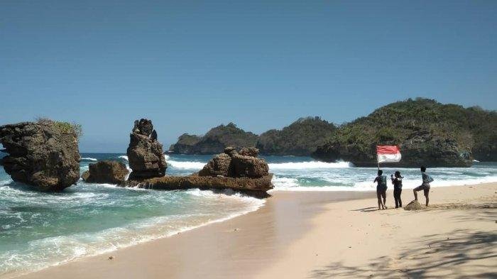 7 Pantai di Malang untuk Dikunjungi Saat Liburan Akhir Pekan