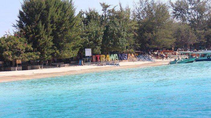 Cerita Traveler Liburan ke Lombok, Bisa Foto Bareng Patung di Dasar Laut
