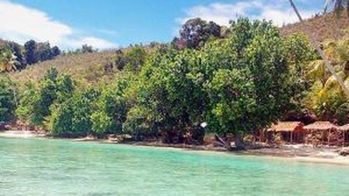 Pantai Harlem, salah satu destinasi wisata di Kabupaten Jayapura, Papua. Para wisatawan dan warga Jayapura selalu memadati tempat itu setiap akhir pekan.