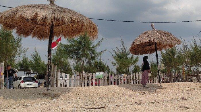 TRAVEL UPDATE: Jelajah Pantai Joko Mursodo, Surga Tersembunyi di Lamongan Jawa Timur