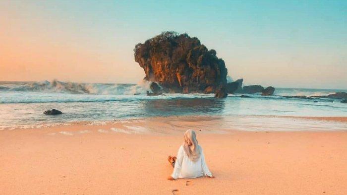 4 Pantai di Gunungkidul, Jogjakarta yang Tawarkan Pesona Bak Surga Tersembunyi
