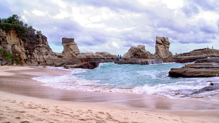 Wisata Alam di Jalur Pansela yang Cocok Dikunjungi saat Libur Lebaran