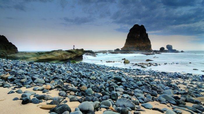 Pantai Tanjung Papuma Unikannya Wisata Di Jember Jawa Timur Yang