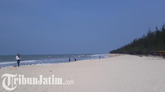 Pantai Remen Tuban - Pasir Putih Menawan Rasa Bali di Jawa Timur