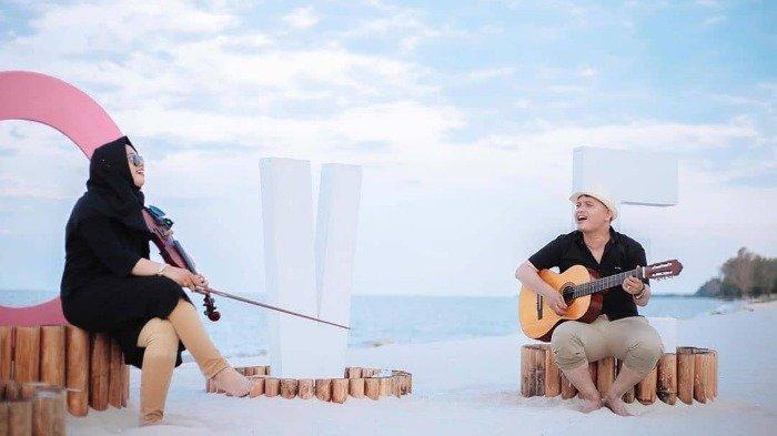 Harga Tiket Masuk Pantai Romantis, Banyak Spot Keren untuk Foto Bareng Pasangan