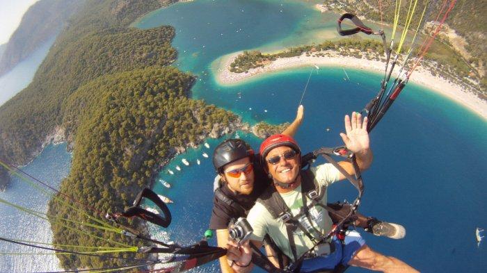 Jangan Asal Pakai Kamera, Simak Hal Ini Sebelum Menjajal Selfie Saat Paralayang