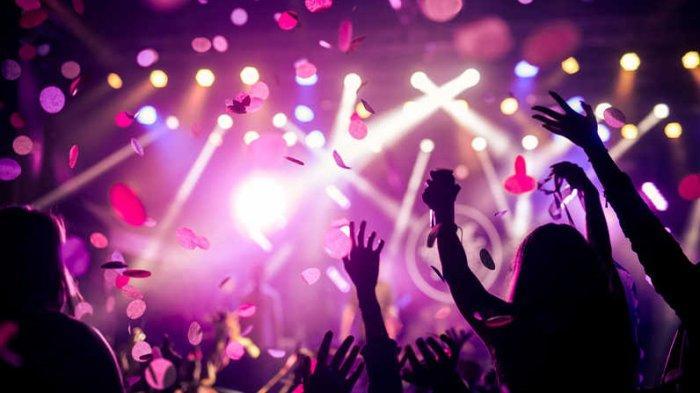Ribuan Warga Prancis Abaikan Physical Distancing dan Berjoget di Konser Musik