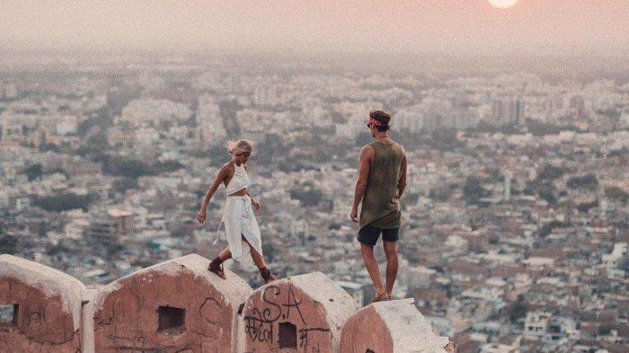 Deretan Akun Instagram Pasangan Traveler ini Bikin Kamu Pengen Berpetualang Berdua