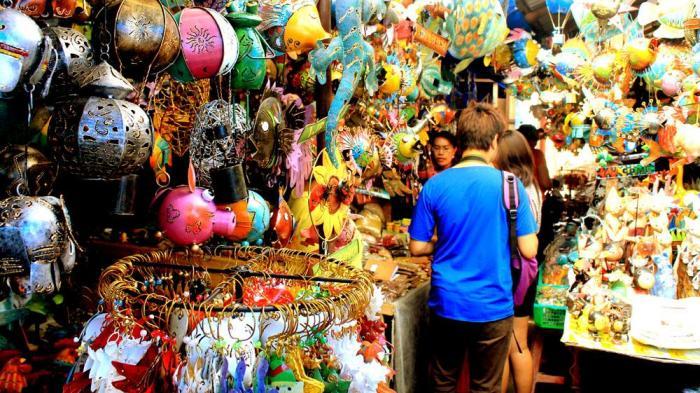 Berburu oleh-oleh di Pasar Seni Sukawati Bali