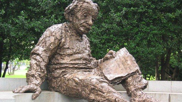 Surat Unik yang Ditulis Albert Einstein pada 1949 Telah Ditemukan, Ini Isi Pesannya
