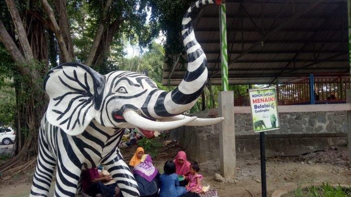 Patung Gajah Bercorak Hitam Putih di Taman Satwa Jurug Solo Jadi Viral, Pengelola Angkat Bicara
