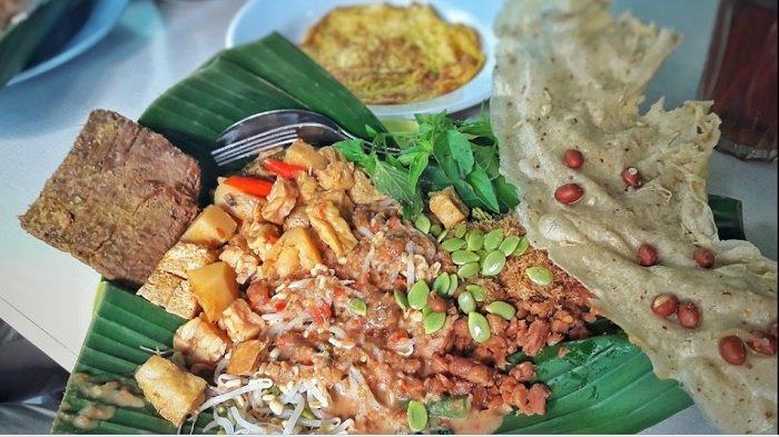 Pecel Bu Kus, rekomendasi tempat sarapan di Surabaya