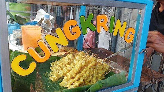 Pedagang cungkring di Jalan Suryakencana, Bogor Tengah