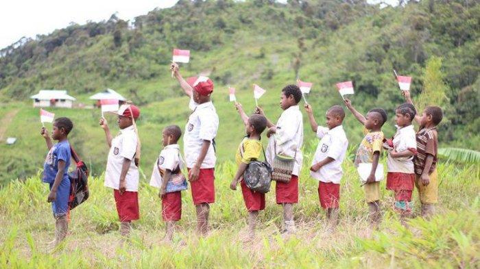 Rasakan Sensasi Mendaki Gunung Atraksi Budaya Hingga Live In Dalam Festival Puncak Papua Halaman 2 Tribun Travel