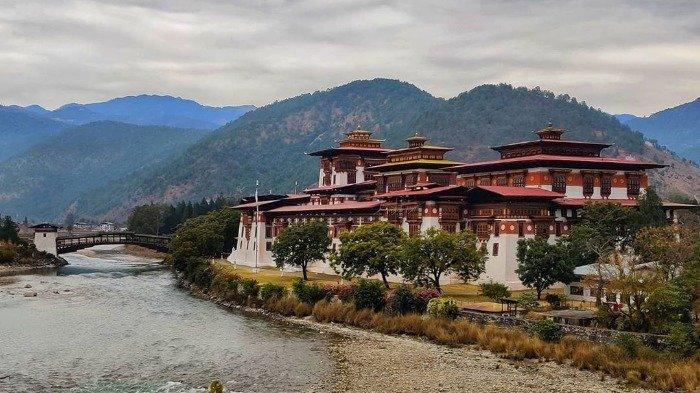 Turis Amerika yang Jadi Pasien Positif Corona Pertama di Bhutan Dievakuasi dengan Jet Pribadi
