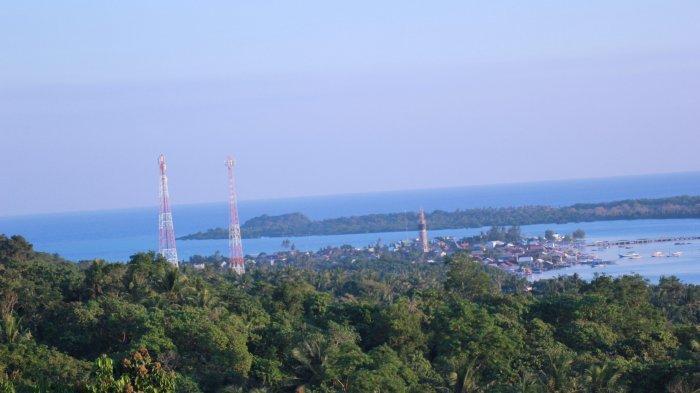 Pemandangan laut di Pulau Karimun Jawa dari Bukit Love