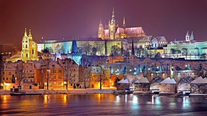 Pemandangan Praha, Republik Ceko, malam hari