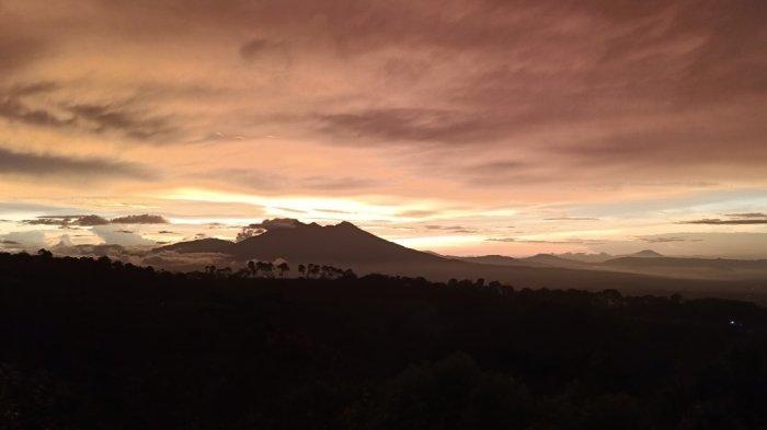 5 Fakta Unik Gunung Salak, Wisata Gunung di Bogor yang Punya Banyak Curug