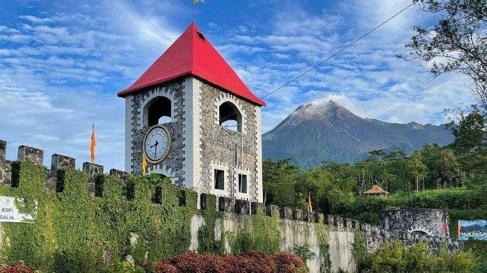 Pemandangan The Lost World Castle Jogja
