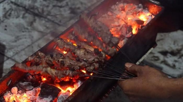 8 Kuliner Malam yang Enak dan Murah di Jogja, Ada Sate Klathak hingga Wedang Ronde