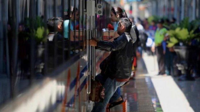 Siapkan Anggaran Rp 2,39 Triliun, Pemerintah Kembali Subsidi Tiket Kereta Api pada 2018