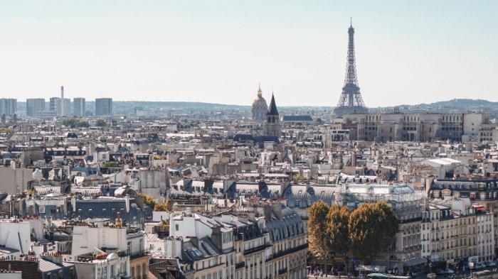 7 Fakta Unik Prancis, Hewan Bayar Tiket Kereta hingga Denda Bagi yang Foto Eiffel di Malam Hari