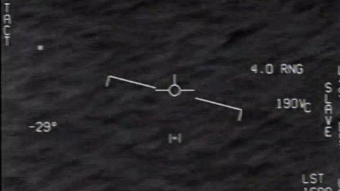 Pentagon AS Rilis Video Fenomena Udara Aneh yang Diduga UFO Melintas