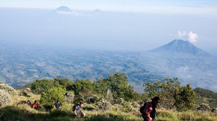 Viral Video Kelakuan Buruk Pendaki, Nekat Berjoget di Atas Tugu Puncak Gunung Merapi