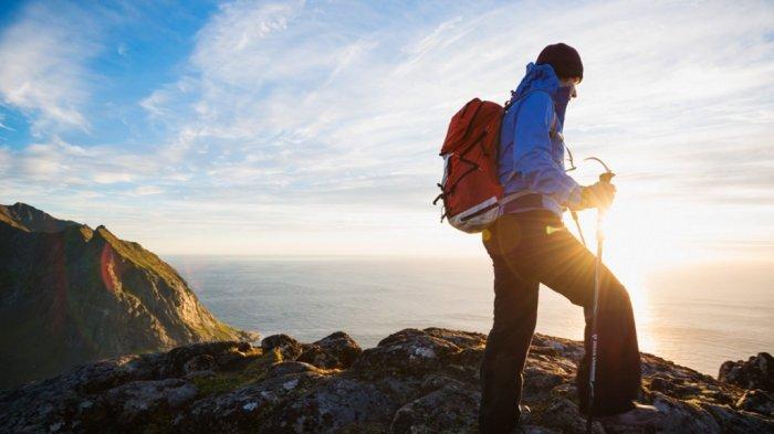 7 Tips Aman Mendaki Gunung Bagi Pendaki Pemula