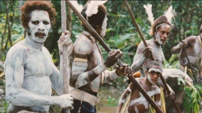 Suku Ini Gunakan Tengkorak Manusia Sebagai Bantal