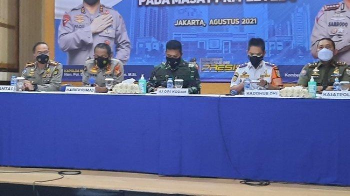 Pengumuman pergantian Pos Penyekatan PPKM Darurat menjadi 3 kebijakan, Selasa (10/8/2021). Salah satunya adalah kebijakan ganjil genap di sejumlah ruas jalan di DKI Jakarta mulai hari Rabu (11/8/2021) hingga Senin (16/8/2021).