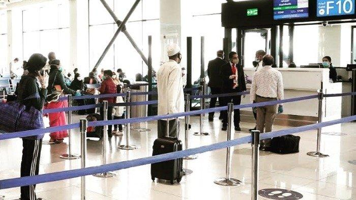 penumpang-di-bandara-dubai.jpg