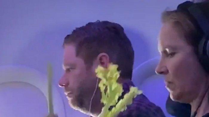 Viral di Medsos, Seorang Penumpang Makan Sayuran Mentah di Penerbangan