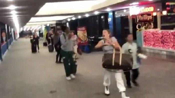 Dikira Ada Teror, Petugas Maskapai Berteriak dan Bunyikan Alarm, Penumpang di Bandara Panik