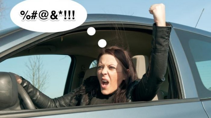 Viral di Twitter, Pengemudi Mobil Wanita Putar Balik Sembarangan dan Marah-marah ke Pengendara Lain