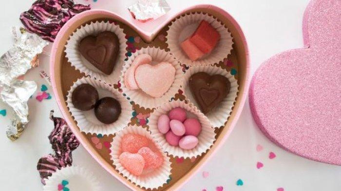 Sekotak permen dan cokelat
