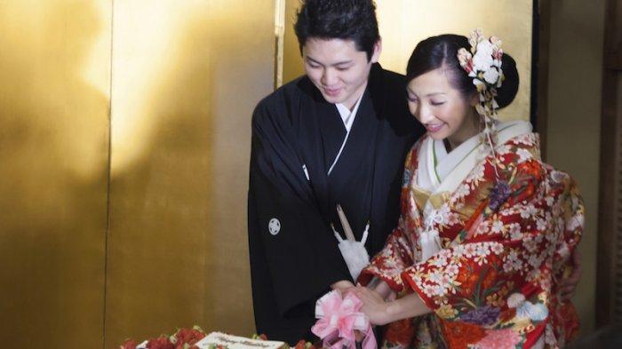 Bukan Jepang Namanya Bila Tak Punya Gaun Pengantin Super Unik dan Kreatif! Perhatikan Detailnya