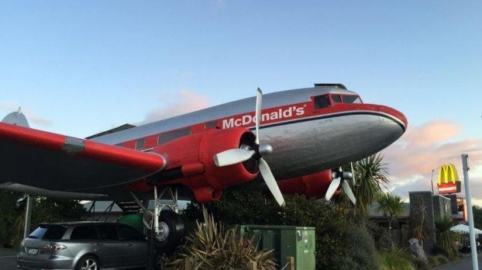 Uniknya Gerai McDonald's di Selandia Baru, Pelanggan Bisa Makan Big Mac di Dalam Pesawat