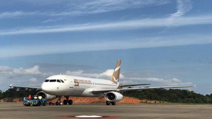 Pesawat Super Air Jet mendarat di Bandara Hang Nadim Batam, Jumat (6/8/2021) sore.