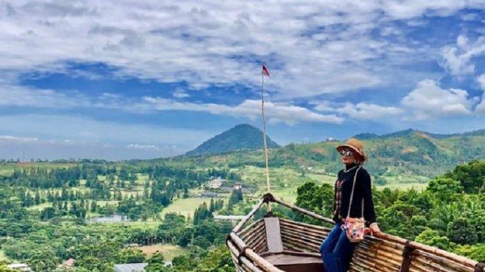 TRAVEL UPDATE: Harga Tiket Masuk Bukit Geulis, Hamparan Perbukitan Hijau dengan Spot Instagramable