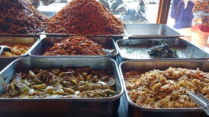 Pilihan menu di Nasi Pedas Bu Andika, Bali