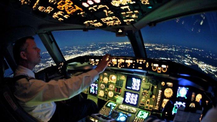 Mengejutkan! Pengakuan Pilot Ini Ungkap Hal Tak Terduga di Pesawat, Mulai Gaji hingga Disambar Petir