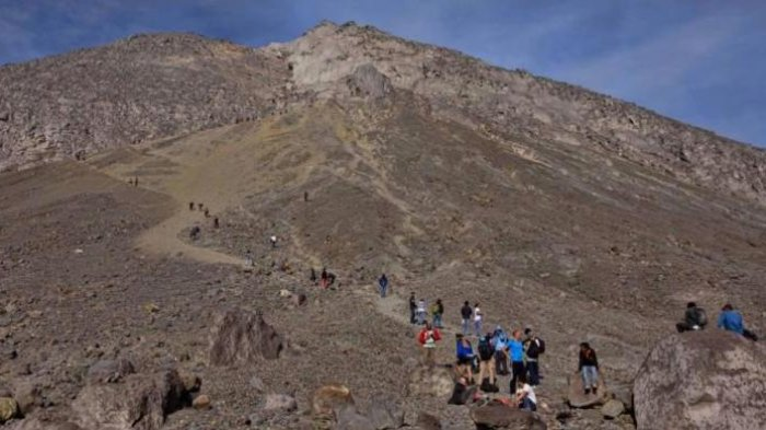Hiii! Ditakuti Para Pendaki, 6 Pasar Gaib di Gunung di Indonesia Ini Sukses Bikin Merinding Disko
