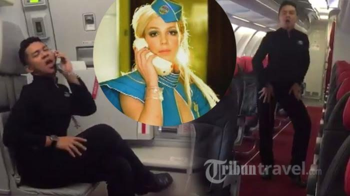 Aduh Duh, Pramugara AirAsia Ini Tirukan Tarian Britney Spears di Video Toxic! Begini Reaksi sang Bos