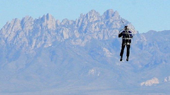 Heboh Manusia Terbang Pakai Jetpack bak Iron Man Dekat Bandara, FBI Sampai Turun Tangan
