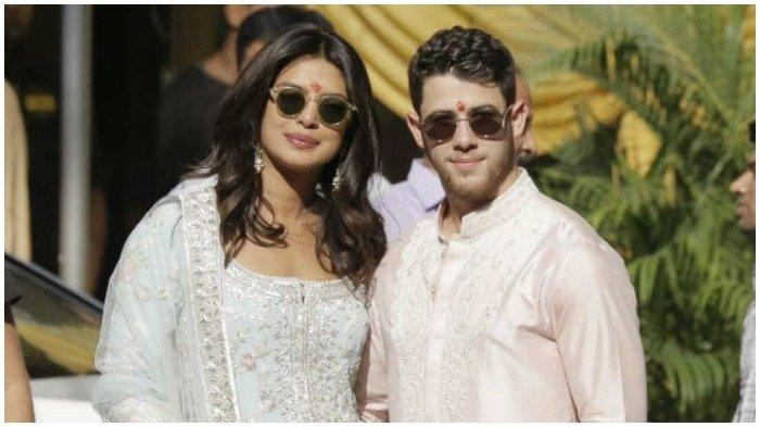 Resmi Menikah dengan Nick Jonas , Gaun Pernikahan Priyanka Chopra Miliki 9 Arti Penting Ini