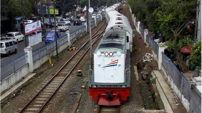 Daftar Jadwal Perjalanan Kereta Api di Daop 2 yang Dibatalkan Mulai 1 April 2020