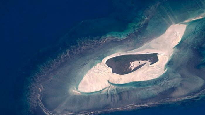 Pulau di Australia Ini Terlihat Cantik dari Luar Angkasa, setelah Didekati Ternyata Simpan Bahaya